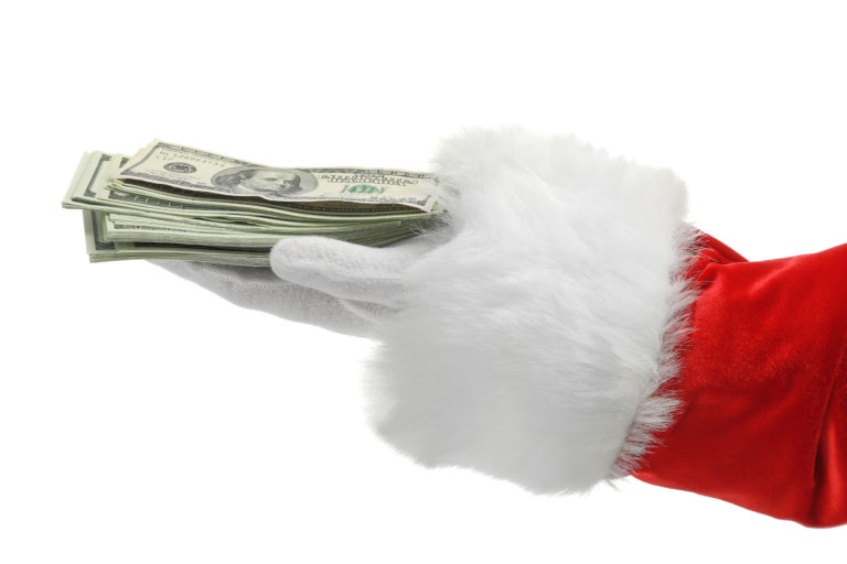 5 Simple Ways to Save Money During the Holiday Season